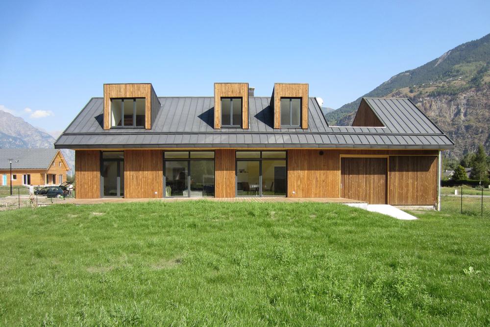 quarcs-house V-01